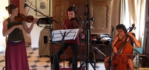 """Shane Lestideau, Jonathan Dour et Mathilde Chevrel, cordes orchestrales (Enregistrement des albums """"La Barque ailée et l'Albatros"""")"""
