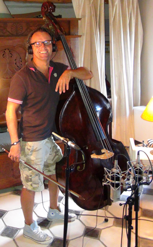 """Thierry Runarvot, contrebasse (Enregistrement des albums """"La Barque ailée et l'Albatros"""")"""